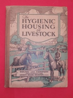 The hygienic housing of livestock